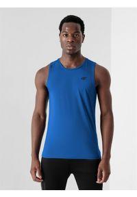 4f - Top treningowy regular szybkoschnącymęski. Kolor: niebieski. Materiał: włókno, dzianina, materiał. Długość rękawa: bez rękawów