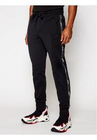 Versace Jeans Couture Spodnie dresowe A2GWA1F3 Czarny Regular Fit. Kolor: czarny. Materiał: dresówka