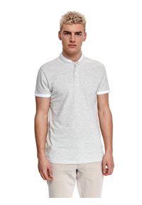 TOP SECRET - T-shirt polo z piki. Typ kołnierza: polo. Kolor: szary. Materiał: tkanina, bawełna. Długość rękawa: krótki rękaw. Długość: krótkie. Sezon: lato. Styl: elegancki, klasyczny