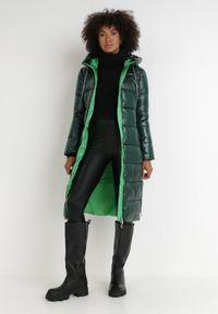 Born2be - Ciemnozielona Kurtka Simorus. Kolor: zielony. Materiał: tkanina. Długość: długie. Wzór: aplikacja