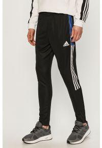 Czarne spodnie dresowe adidas Performance gładkie