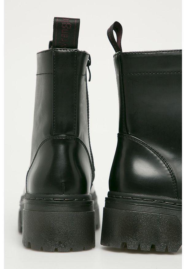 Czarne botki Wrangler z cholewką, na zamek, z okrągłym noskiem