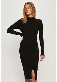 Czarna sukienka Jacqueline de Yong na co dzień, z długim rękawem, dopasowana