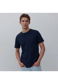 Reserved - Gładki T-shirt z bawełny organicznej - Granatowy. Kolor: niebieski. Materiał: bawełna. Wzór: gładki