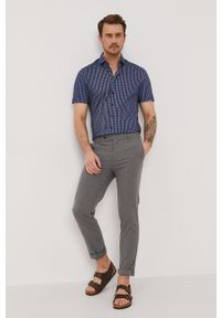 Baldessarini - Koszula. Typ kołnierza: kołnierzyk klasyczny. Kolor: niebieski. Materiał: włókno, materiał, tkanina, dzianina, bawełna. Długość rękawa: krótki rękaw. Długość: krótkie. Styl: klasyczny #3