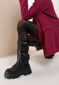 Renee - Czarne Matowe Botki Shyvia. Wysokość cholewki: przed kolano. Nosek buta: okrągły. Zapięcie: klamry. Kolor: czarny. Szerokość cholewki: normalna. Obcas: na obcasie. Wysokość obcasa: średni