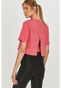 Różowa bluzka Calvin Klein Performance z nadrukiem, casualowa