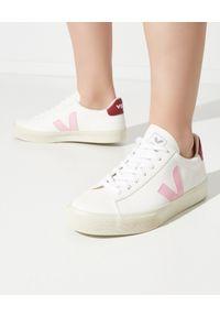 Veja - VEJA - Białe sneakersy Campo Marsala. Kolor: biały. Materiał: bawełna, materiał, guma. Szerokość cholewki: normalna. Wzór: aplikacja