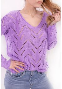 Fioletowy sweter Lemoniade z dekoltem w serek, w ażurowe wzory