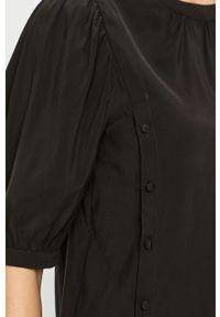 Czarna bluzka Vila z okrągłym kołnierzem, krótka, biznesowa, na spotkanie biznesowe