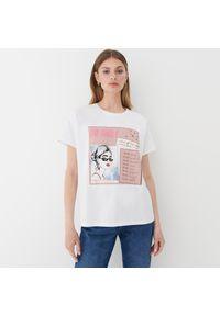 Mohito - T-shirt z kontrastowym nadrukiem - Biały. Kolor: biały. Wzór: nadruk