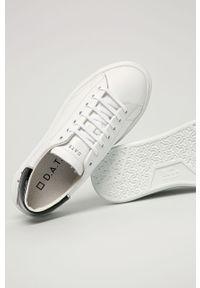 Białe buty sportowe D.A.T.E. na obcasie, na sznurówki, z cholewką