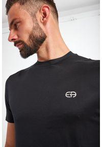 Emporio Armani - T-SHIRT EMPORIO ARMANI. Długość rękawa: krótki rękaw. Długość: krótkie. Wzór: haft