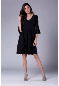 Czarna sukienka wizytowa Nommo wizytowa, z falbankami