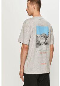 Szary t-shirt CATerpillar casualowy, z nadrukiem, na co dzień