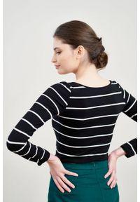 Marie Zélie - Bluzka Inzolia w czarno-białe paski. Kolor: wielokolorowy, biały, czarny. Materiał: bawełna, dzianina, materiał, elastan, skóra. Długość rękawa: długi rękaw. Długość: długie. Wzór: paski