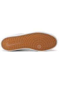 Białe sneakersy Nike z cholewką, na co dzień