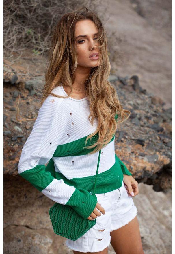 Zielony sweter Fobya w paski