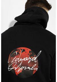 Czarna bluza Edward Orlovski z nadrukiem