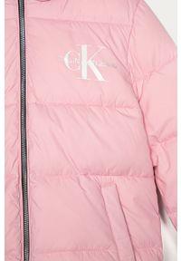 Różowa kurtka Calvin Klein Jeans z kapturem, casualowa, na co dzień