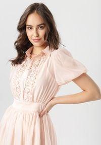 Born2be - Jasnoróżowa Sukienka Jenylia. Kolor: różowy. Długość rękawa: na ramiączkach. Wzór: ażurowy. Typ sukienki: koszulowe, rozkloszowane. Styl: elegancki. Długość: mini