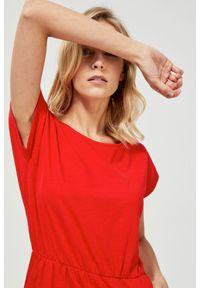 Czerwona sukienka MOODO casualowa, na co dzień, prosta