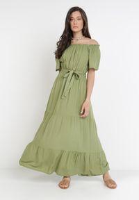 Born2be - Zielona Sukienka Kissorise. Kolor: zielony. Materiał: materiał. Długość rękawa: krótki rękaw. Sezon: lato, wiosna. Długość: midi