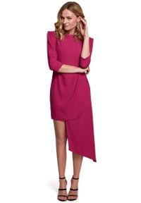 MOE - Dopasowana Sukienka z Asymetrycznym Dołem - Śliwkowa. Materiał: poliester, elastan. Typ sukienki: asymetryczne