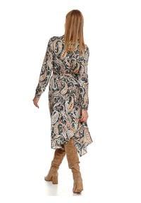 TOP SECRET - Printowana sukienka z wiskozy. Okazja: do pracy, na imprezę. Kolor: niebieski. Materiał: wiskoza. Długość rękawa: długi rękaw. Wzór: nadruk, aplikacja. Sezon: zima. Styl: elegancki #6