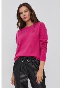 Pinko - Sweter wełniany. Okazja: na co dzień. Kolor: różowy. Materiał: wełna. Długość rękawa: długi rękaw. Długość: długie. Styl: casual
