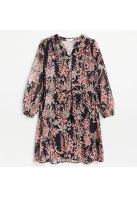 Reserved - Sukienka z tkaniny plumeti - Czarny. Kolor: czarny. Materiał: tkanina