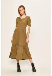 Jacqueline de Yong - Sukienka. Kolor: zielony. Materiał: dzianina. Długość rękawa: krótki rękaw
