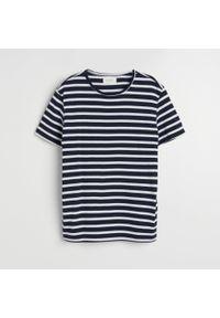 Niebieski t-shirt Reserved w paski