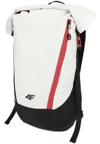 Biały plecak 4f elegancki
