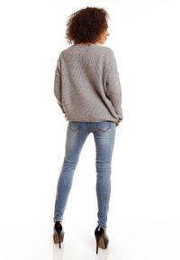 Sweter klasyczny, krótki, z dekoltem w serek