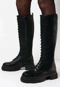 Born2be - Czarne Kozaki Karephelia. Wysokość cholewki: przed kolano. Nosek buta: okrągły. Zapięcie: sznurówki. Kolor: czarny. Materiał: dzianina. Szerokość cholewki: normalna. Obcas: na obcasie. Wysokość obcasa: niski