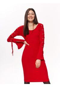 Czerwona sukienka TROLL elegancka, na wiosnę, w kolorowe wzory