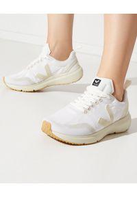 Veja - VEJA - Białe sneakersy Condor 2. Kolor: biały. Materiał: guma, poliester. Szerokość cholewki: normalna. Wzór: aplikacja