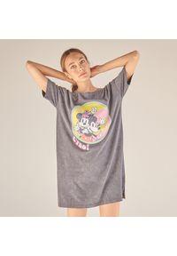 Szara piżama Reserved z motywem z bajki