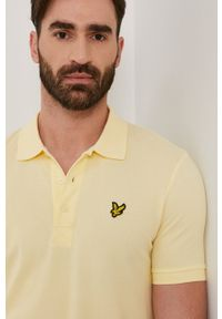 Lyle & Scott - Polo. Okazja: na co dzień. Typ kołnierza: polo. Kolor: żółty. Materiał: bawełna, dzianina. Wzór: gładki. Styl: casual