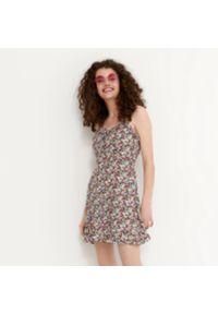 House - Wiskozowa sukienka w kwiaty - Wielobarwny. Materiał: wiskoza. Wzór: kwiaty