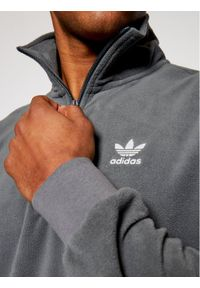 Adidas - adidas Polar adicolor Essentials GN8080 Szary Regular Fit. Kolor: szary. Materiał: polar