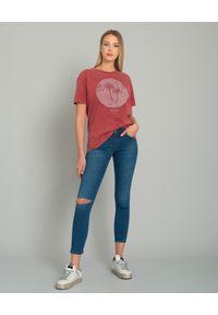ONETEASPOON - Jeansy Freebirds Organic. Stan: podwyższony. Kolor: niebieski. Wzór: aplikacja