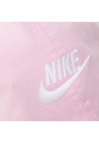 Różowa czapka z daszkiem Nike