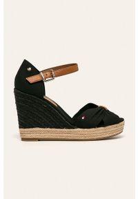 Czarne sandały TOMMY HILFIGER na klamry