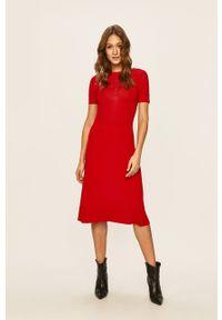 Czerwona sukienka Miss Sixty rozkloszowana, na spotkanie biznesowe