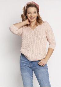 MKM - Delikatny Sweterek Zdobiony Warkoczami - Różowy. Kolor: różowy. Materiał: akryl. Wzór: aplikacja