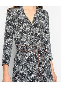 Pinko - PINKO - Sukienka maxi Sushi Tarot Print. Okazja: na co dzień. Kolor: czarny. Wzór: nadruk. Typ sukienki: proste. Styl: casual. Długość: maxi