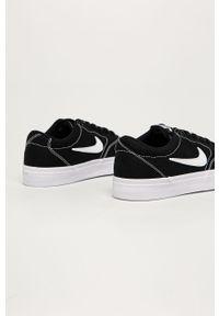 Czarne buty sportowe Nike Sportswear z okrągłym noskiem, z cholewką