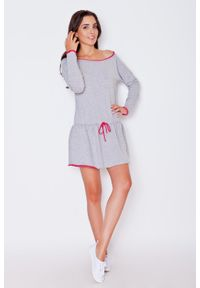 Katrus - Szaro-różowa Dziewczęca Sukienka z Falbanką z Kontrastowymi Lamówkami z Długim Rękawem. Kolor: różowy, szary, wielokolorowy. Materiał: bawełna, poliester, elastan. Długość rękawa: długi rękaw